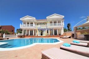 6 Bed Villa - En venta